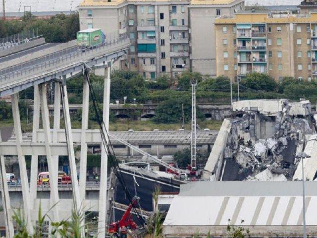 crollo-ponte-morandi-genova-1